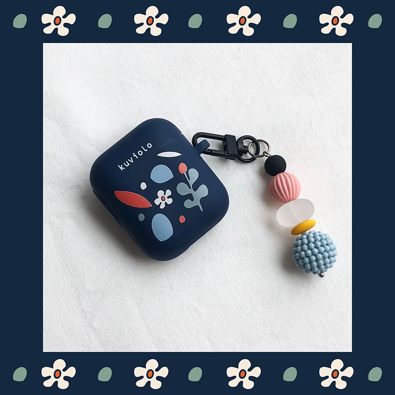 Flowers collage navy (Airpods case)